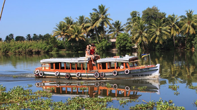 Top 7 Things to Consider While Choosing a Kerala Travel Package