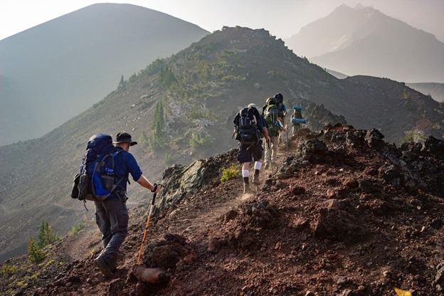Amazing Physical and Psychological Benefits of Outdoor Hiking