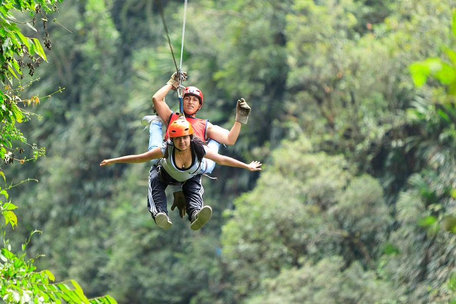 CONSIDERATIONS YOU SHOULD MAKE BEFORE YOU GO ZIPLINING