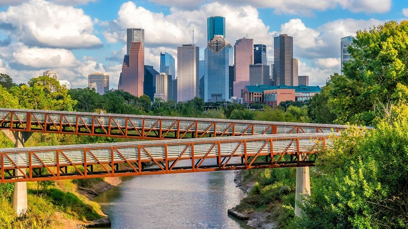 Why is Houston considered as the best vacation destination for travelers?