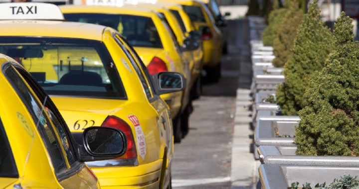 Make your journey wonderful with the help of taxi to and from airport services