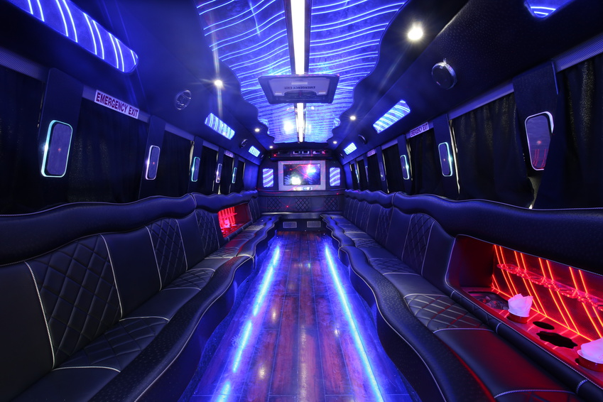 Benefits of Renting a Party Bus